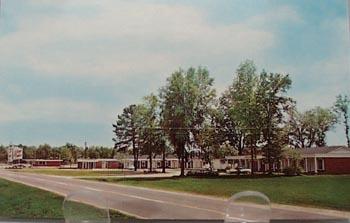 Glen Oaks Motel Bainbridge, Ga. Post Card