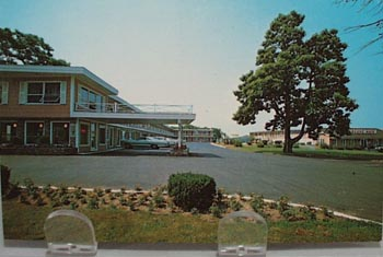 Orleans Holiday Motel Orleans, Mass PC