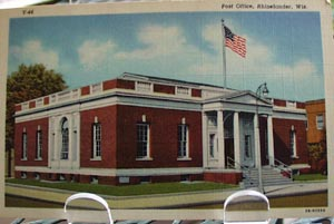 Post Office Rhinelander, Wisc. Post Card