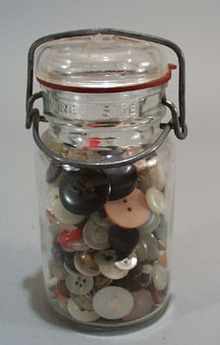 Bail Handle Jar with buttons
