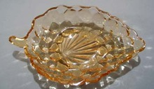 Grape and leaf shaped bowl in Yellow.