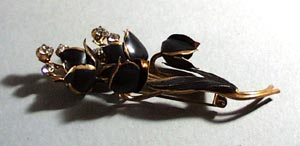 Austria floral pin with beautiful crystal stones