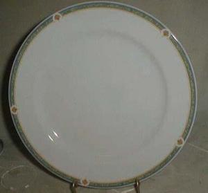 Noritake Dinner Plate, Mint condition
