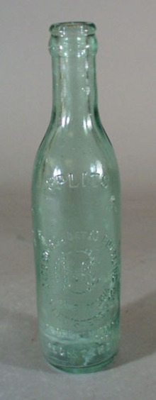 Splits old bottle, marked Splits Chicago Consolidated Bottling Co