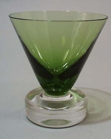 Green art glass wine