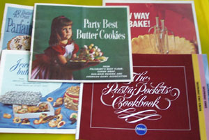 5 Pillsbury Cookbooklets 20th Century