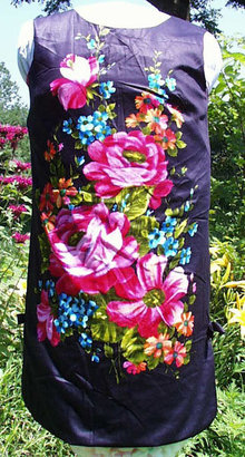 Black and Flowered Vintage Sheath Dress
