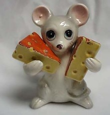 Large Mouse Holding Cheese S&P Shakers