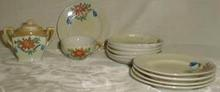 Miniature child's Daisy dinnerware set
