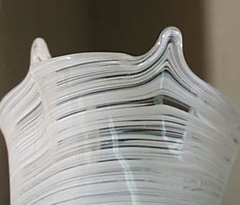 Handkerchief wht threaded hand blown Vase, sm