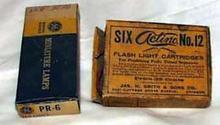4 Flash light cartridges & ge flash bulbs