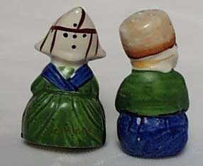 Sitting Dutch Couple S & P Shakers