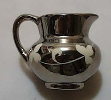 Gray's Stoke on Trent Clover Creamer