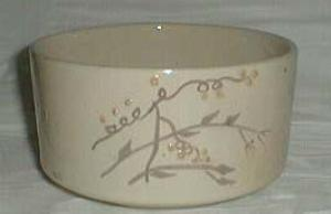 Brush McCoy pottery Bowl marked Brush USA 6, beaded