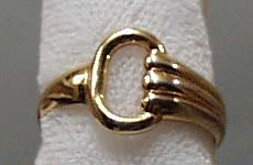Gold Tone Costume Ring