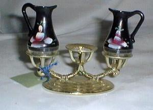 Metal stand s & P shakers, tole type painting on plastic shakers,