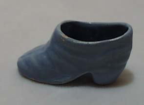 Shoe-small ceramic light blue shoe
