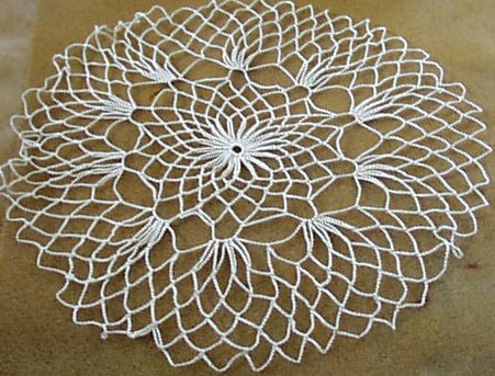 Daisy centered doily