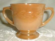 Anchor Hocking Laurel Sugar, peach lustre