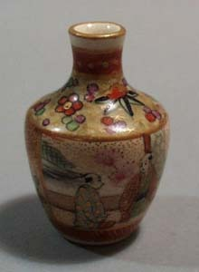Satsuma mini vase
