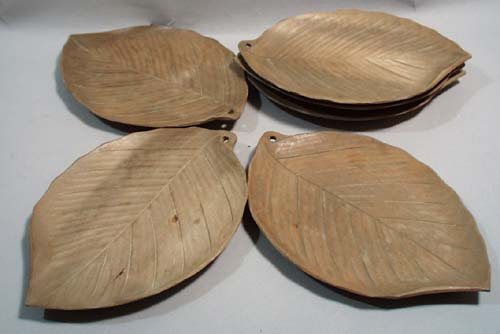 6 wooden leaf nut dishes