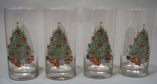 4 Christmas tumblers