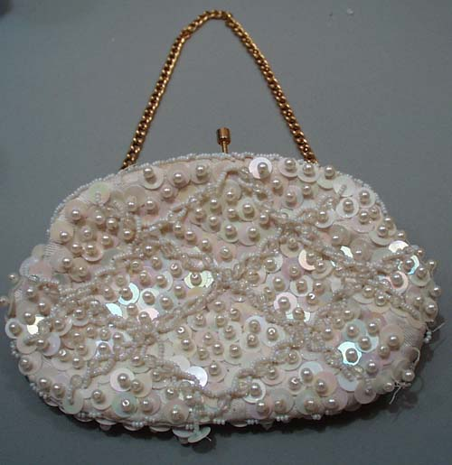 Beads and plastic sequins clasp purse