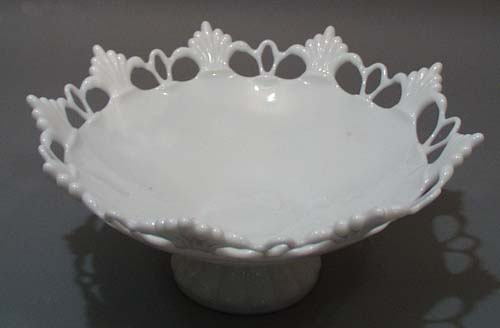 Fan & Circle Large bowl in Milk Glass