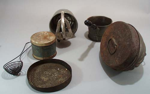 6 pc primative kitchen items set.