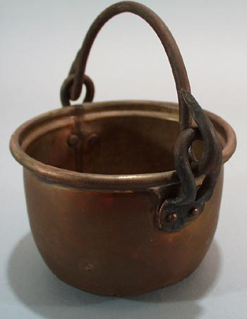 Brass mini pot with iron bail handle