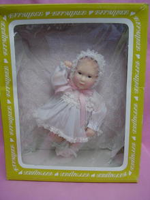 1980'S BABY LISA BY EFFANBEE, MINTY IN BOX