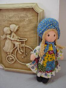 VINTAGE HOLLY HOBBY DOLL PLAQUE, A FRIEND I