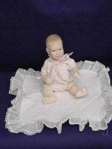 1980's EFFANBEE BABY LISA,ORIGINAL CLOTHING