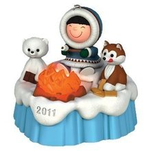 Hallmark 2011 S'MORE TREATS-FROSTY FRIENDS- Magic Christmas Ornament