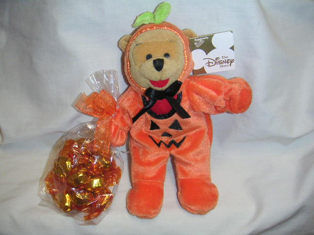PUMPKIN POOH with CANDY Halloween Bean Bag Disney