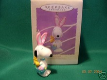 Hallmark PEANUTS EASTER BEAGLE SNOOPY Ornament 1995