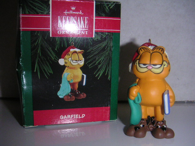 GARFIELD 1992 Hallmark Keepsake Ornament w/ Santa Hat in Box