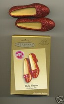 2005 Hallmark CLUB Exclusive RUBY SLIPPERS Ornament Lights Up