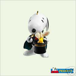 SNOOPY the MAGNIFICENT Spotlight Peanuts Hallmark 2005