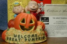 Peanuts The Great Pumpkin LIGHTED Figurine Numbered Ed. Hallmark