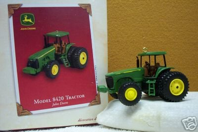 MODEL 8240 Tractor JOHN DEERE Hallmark Christmas Ornament 2003 die-cast Metal