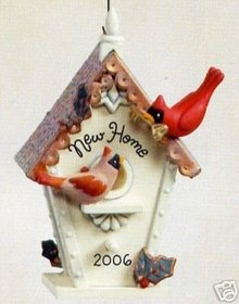 NEW HOME Hallmark 2006 CARDINAL BIRDHOUSE Ornament