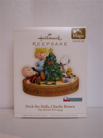 DECK THE HALLS, CHARLIE BROWN Hallmark 2006 Ornament~Sound & Light w/ Batteries