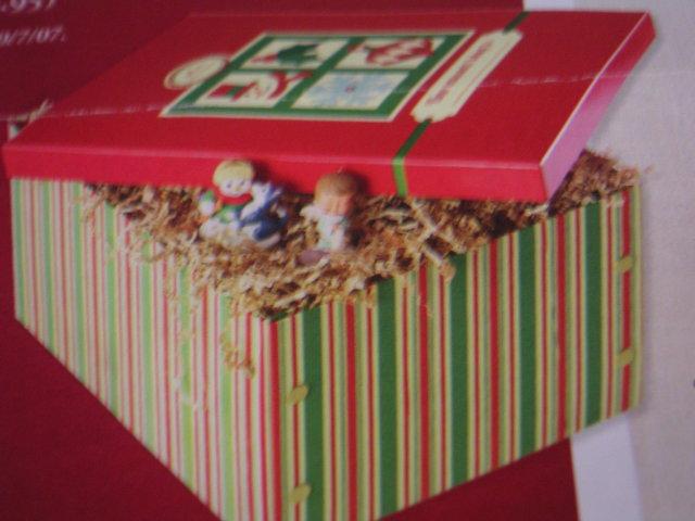 Hallmark Holiday /ORNAMENT STORAGE BOX~Limited Edition