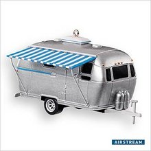 Hallmark 2007 Airstream Dream Trailer~Christmas Ornament
