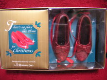 WIZARD OF OZ Dorothy's RUBY SLIPPERS~Roman~Christmas Ornament~Hallmark