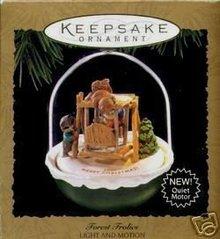 1995 Hallmark  Forest Frolics, Light and Motion Ornament