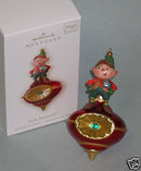 2008 HALLMARK PEEK-BUSTER ELF Lights and Sound~Motion Sensor~Christmas Ornament