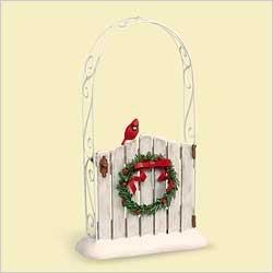 2006 Hallmark GARDEN GREETINGS Christmas Ornament~gate~cardinal~trellis