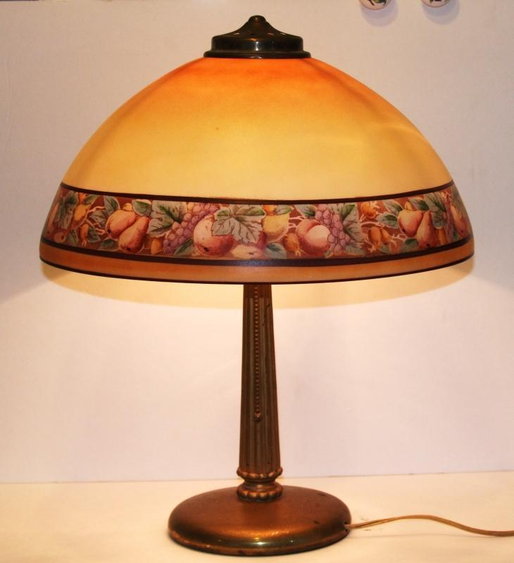 ANTIQUE 1920's GLASS SHADE FRUITS BORDER TABLE LAMP WITH BRASS BASE, unsigned